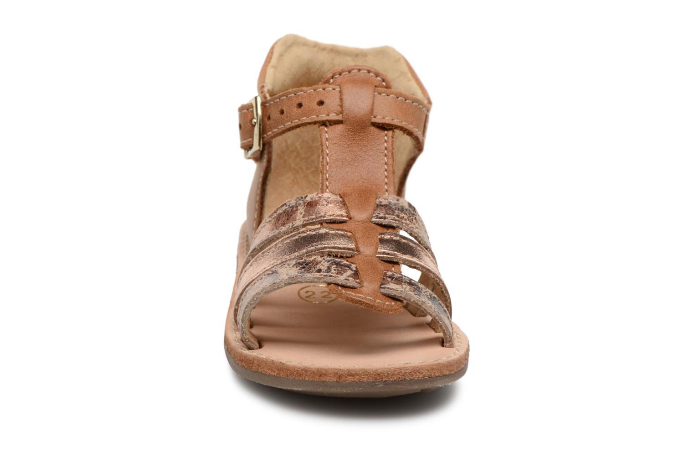 Sandali e scarpe aperte Minibel Keglae Marrone modello indossato