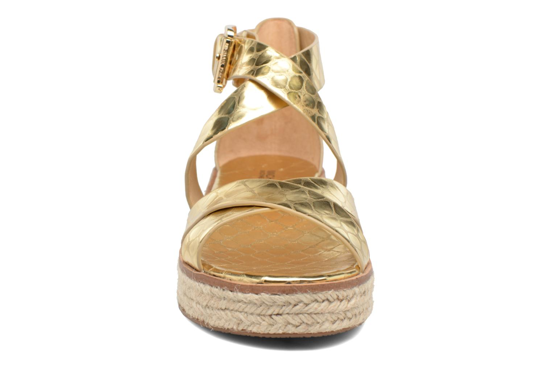 Sandales et nu-pieds Michael Michael Kors Darby Sandal Or et bronze vue portées chaussures