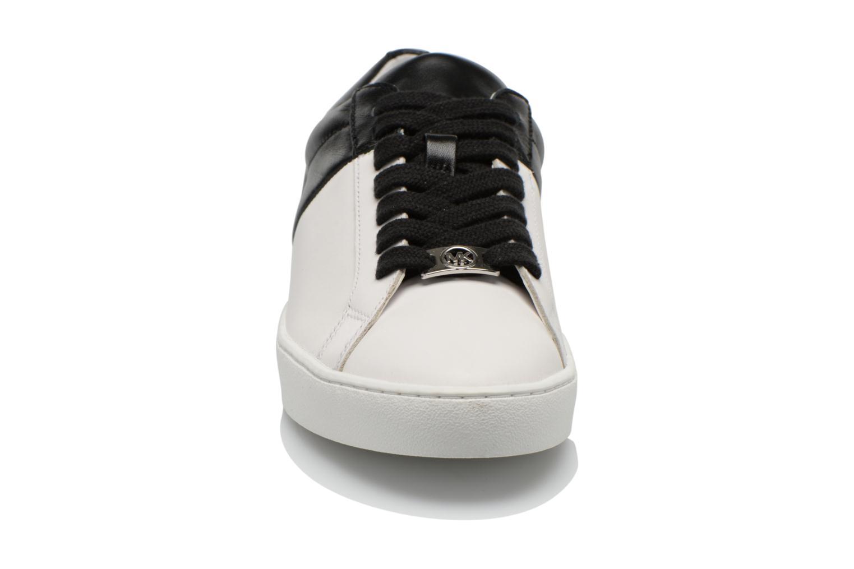 Baskets Michael Michael Kors Toby lace up Blanc vue portées chaussures