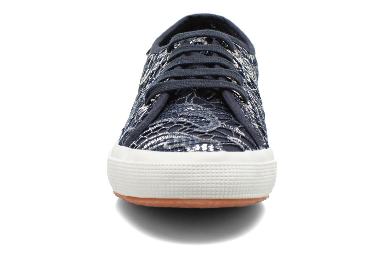 Baskets Superga 2750 Macrame W Bleu vue portées chaussures