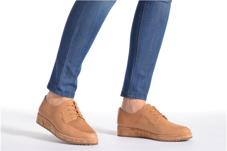 Chaussures à lacets Aldo GATER Beige vue bas / vue portée sac