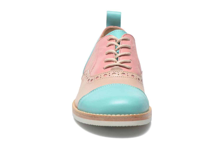 Zapatos con cordones PèPè Alexandra Verde vista del modelo
