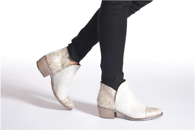 Bottines et boots Khrio Cucuta Beige vue bas / vue portée sac