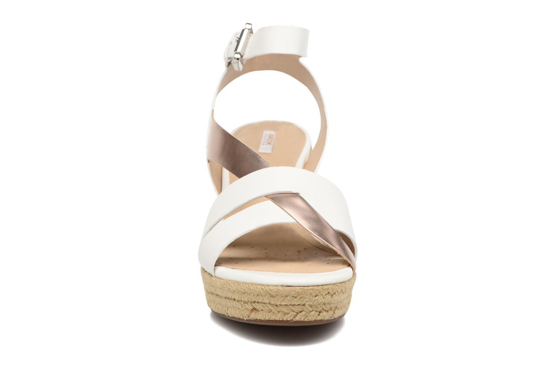 Sandales et nu-pieds Geox D SOLEIL C D62N7C Blanc vue portées chaussures