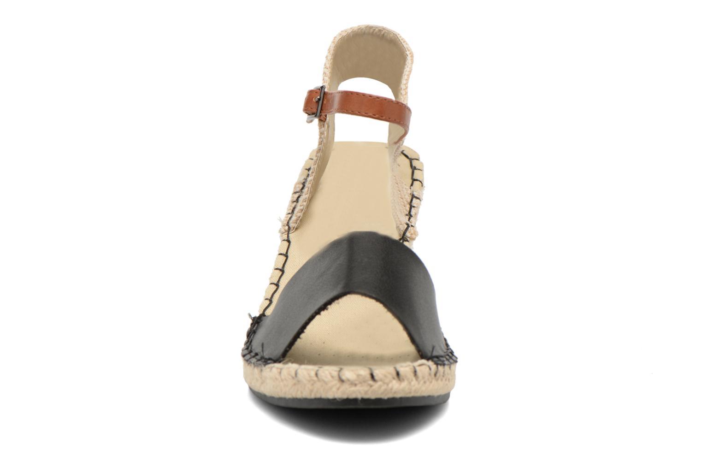 Sandales et nu-pieds Refresh Gipset 62035 Noir vue portées chaussures