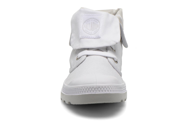 Sneakers Palladium Baggy Low Lp MTL P Bianco modello indossato