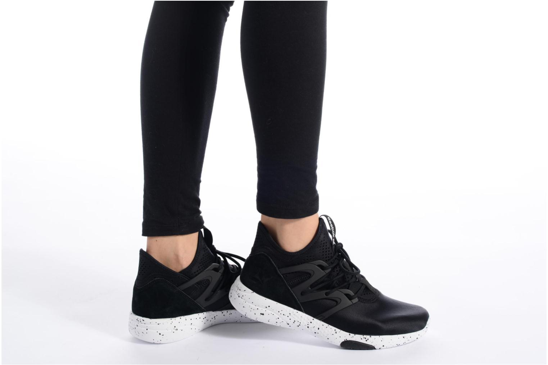 Chaussures de sport Reebok Hayasu Noir vue bas / vue portée sac
