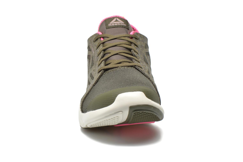 Chaussures de sport Reebok Cardio Inspire Low 2.0 Vert vue portées chaussures