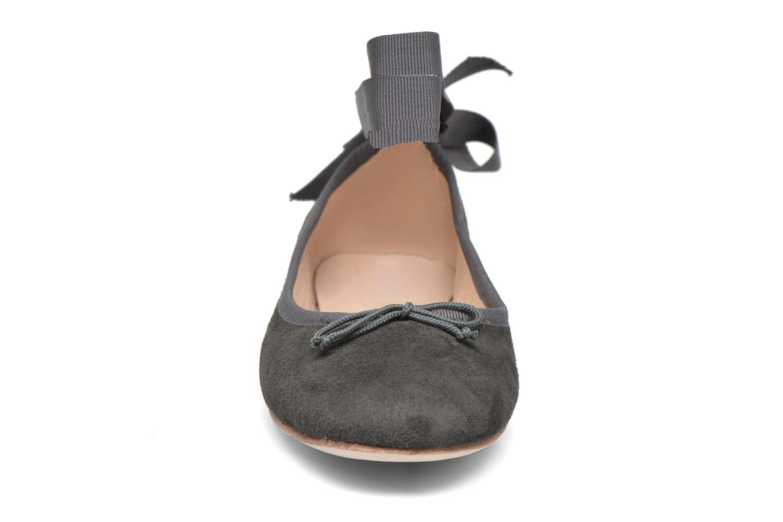 Ballerines Opéra national de Paris Eaton Gris vue portées chaussures