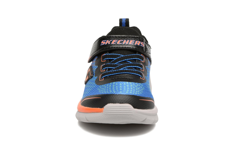 Baskets Skechers Erupters II Lava Arc Bleu vue portées chaussures