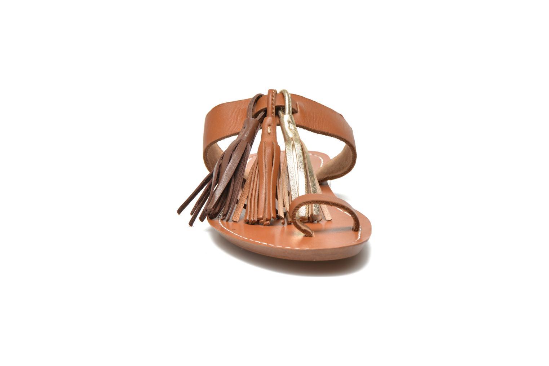 Zuecos Bensimon Sandale Pompon Marrón vista del modelo