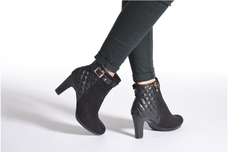 Bottines et boots Divine Factory Biwa Noir vue bas / vue portée sac
