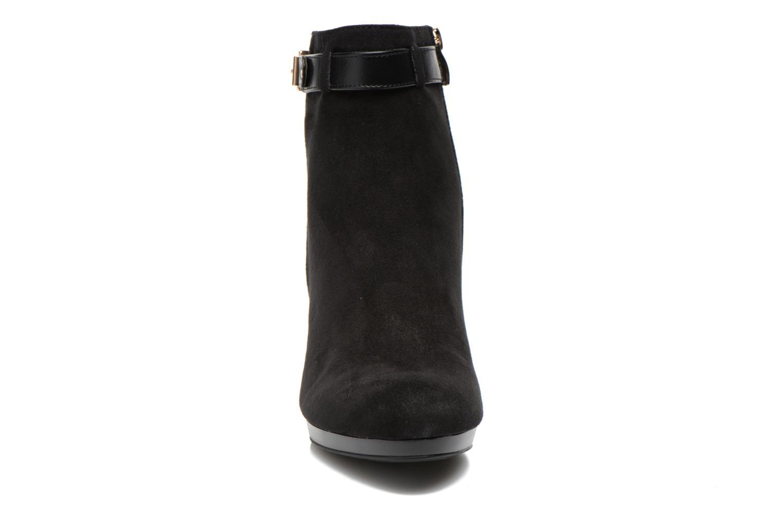 Bottines et boots Divine Factory Biwa Noir vue portées chaussures