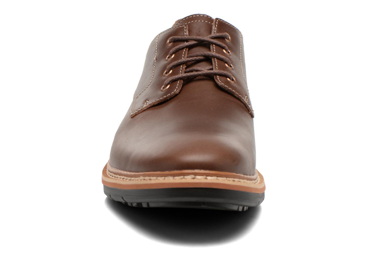 Zapatos con cordones Timberland Naples Trail Oxford Marrón vista del modelo