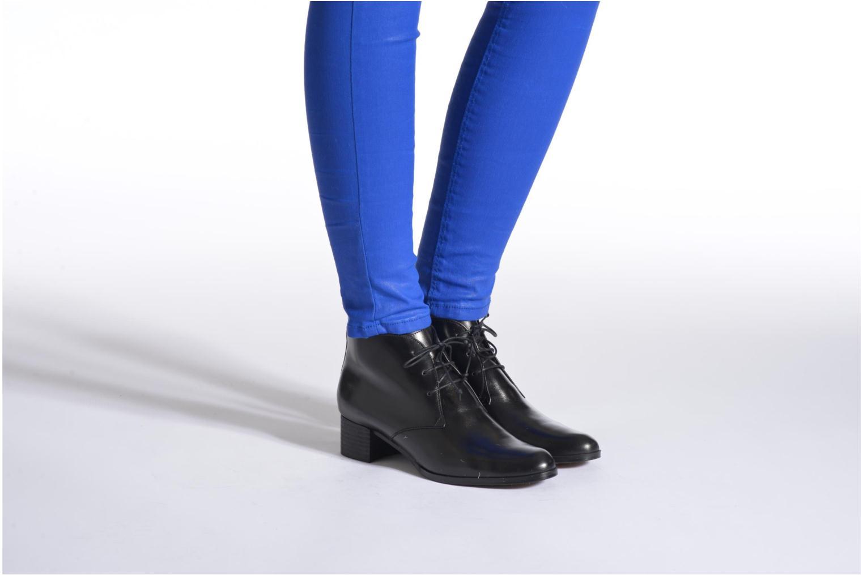 Lace-up shoes Elizabeth Stuart Idis 304 Black view from underneath / model view