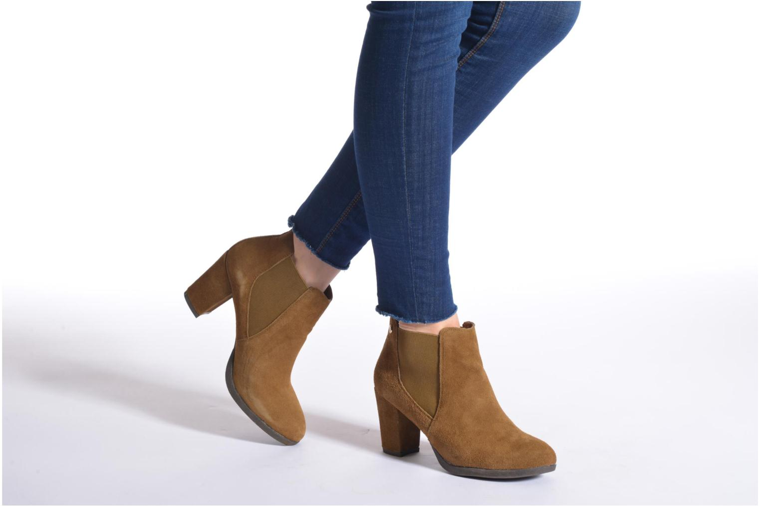 Ankle boots Xti Nargana Brown view from underneath / model view