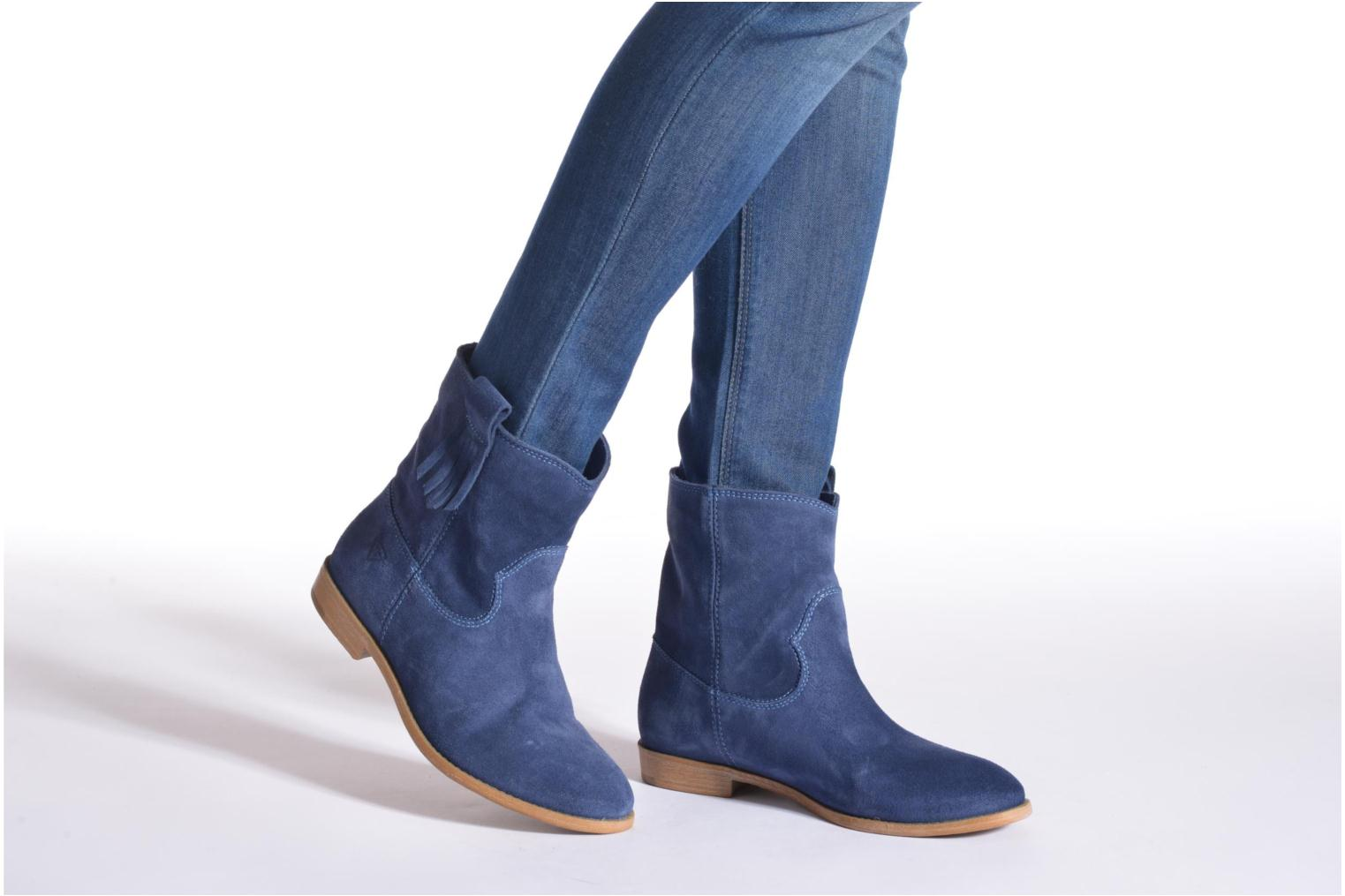Ankle boots Tamaris Selina Brown view from underneath / model view