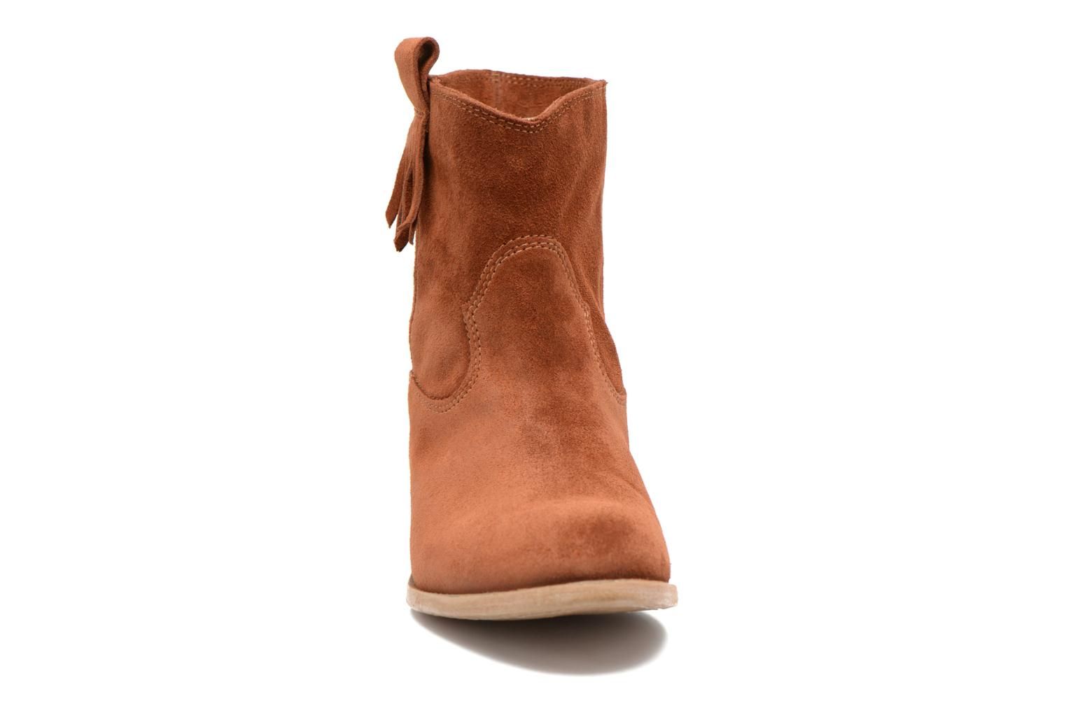 Ankle boots Tamaris Selina Brown model view