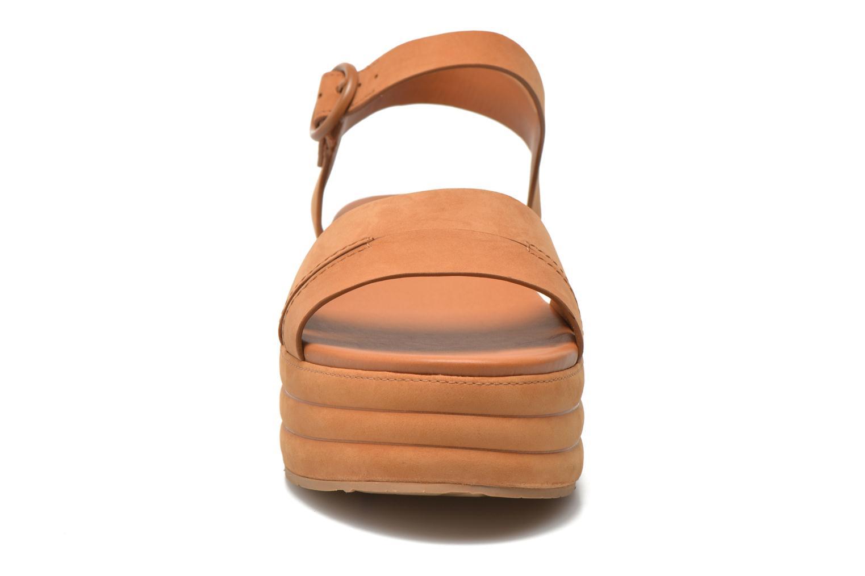 Sandali e scarpe aperte What For Kane Marrone modello indossato
