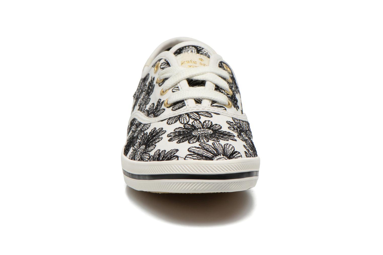 Baskets Keds Ch Daisy Embroidery Noir vue portées chaussures