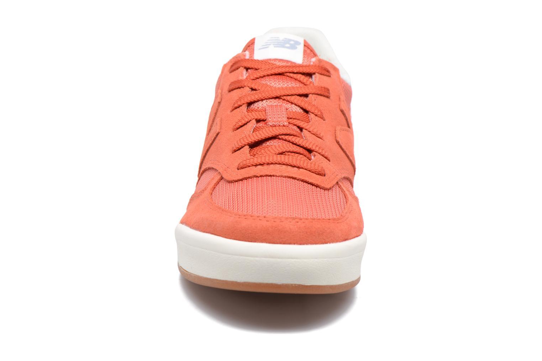 Baskets New Balance CRT300 Orange vue portées chaussures