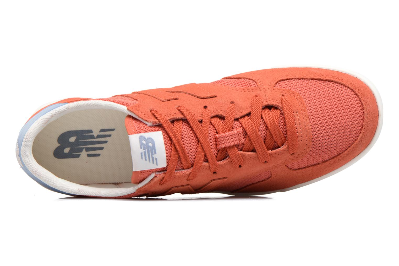Deportivas New Balance CRT300 Naranja vista lateral izquierda