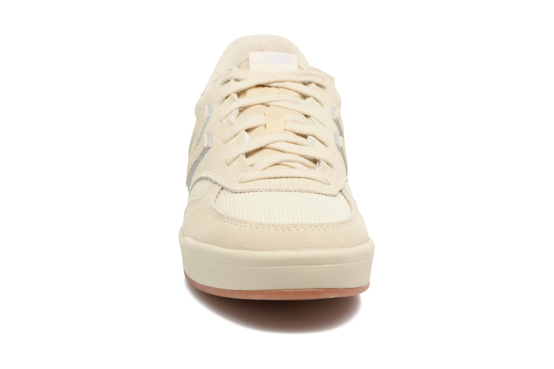 Baskets New Balance CRT300 Blanc vue portées chaussures