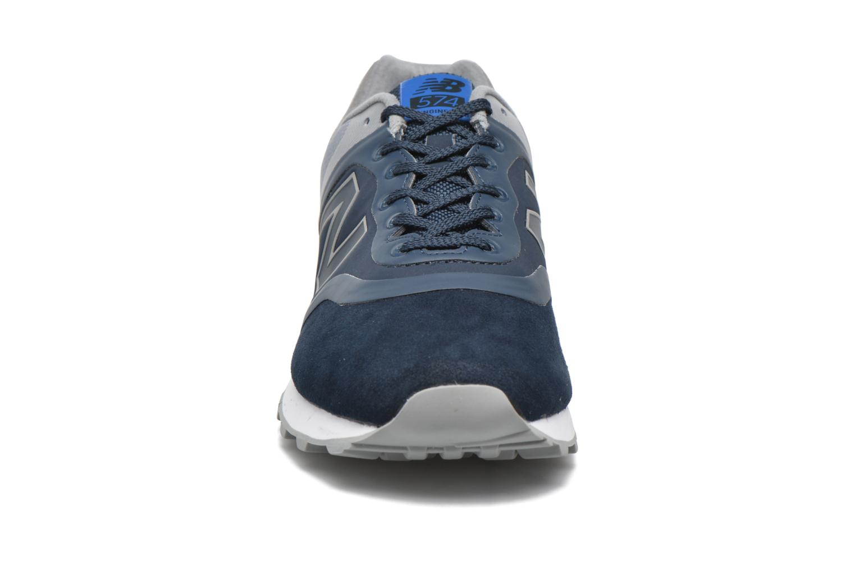 Baskets New Balance MTL574 D M Bleu vue portées chaussures