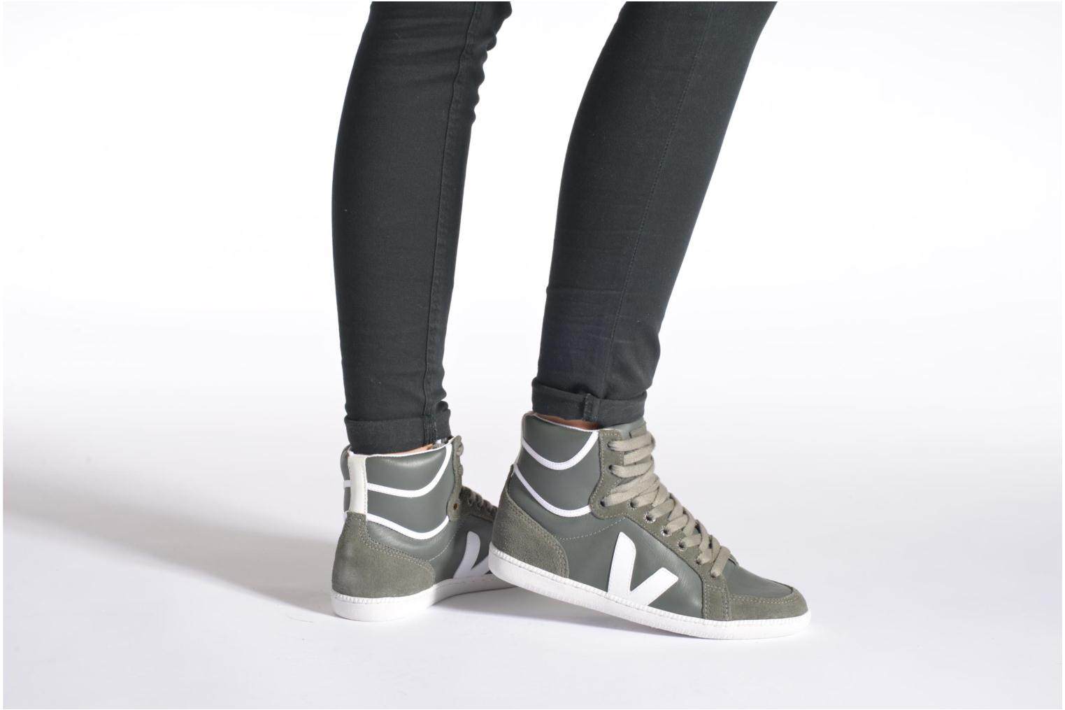 Trainers Veja Spma leather Grey view from underneath / model view