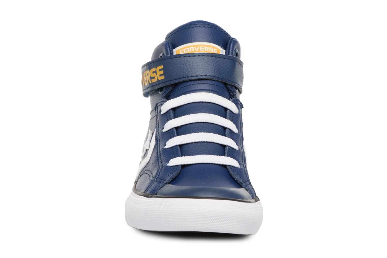 Sneakers Converse Pro Blaze Strap Stretch Hi Sport Leather Azzurro modello indossato