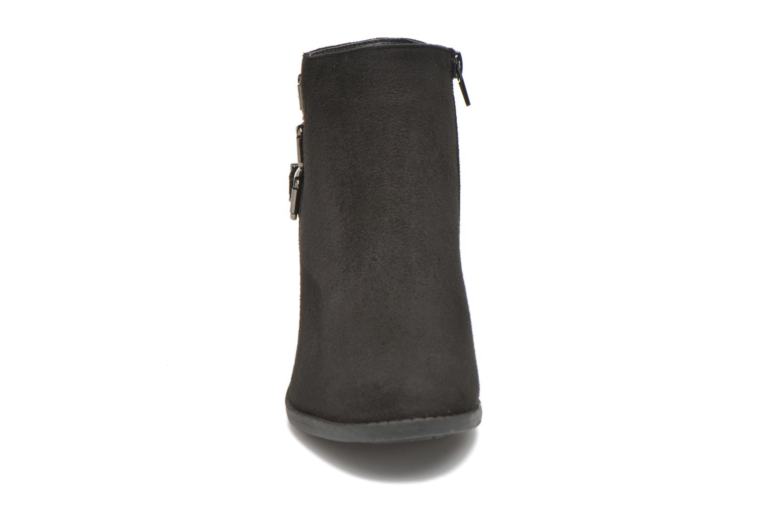 Ankle boots I Love Shoes THEVIRE Black model view