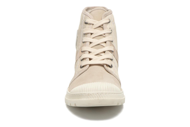 Baskets Pataugas Auth P Beige vue portées chaussures
