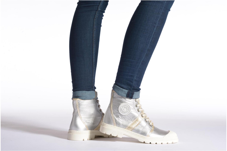 Sneaker Pataugas Auth/MC silber ansicht von unten / tasche getragen