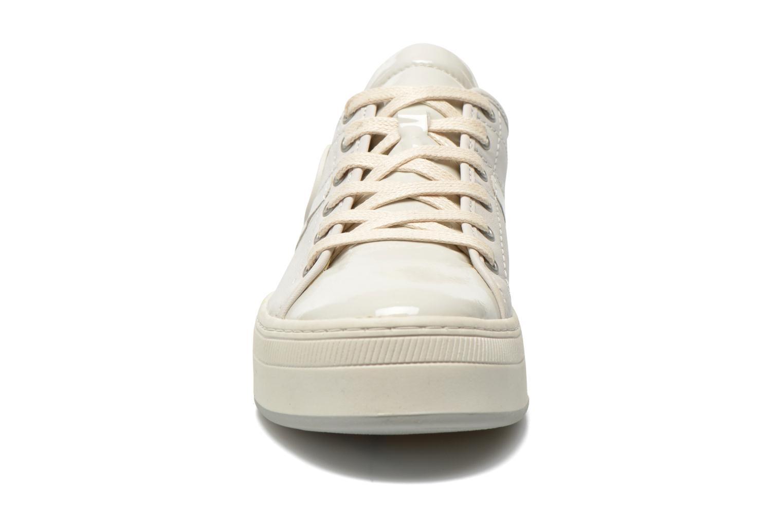 Sneaker Pataugas Pally v weiß schuhe getragen