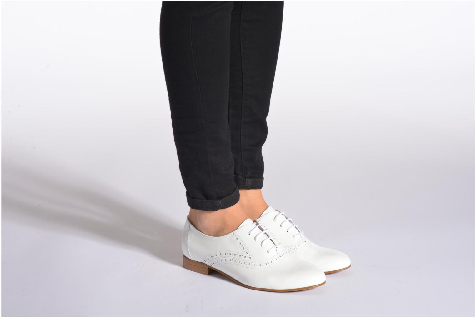 Lace-up shoes Minelli F61 430/VER White view from underneath / model view