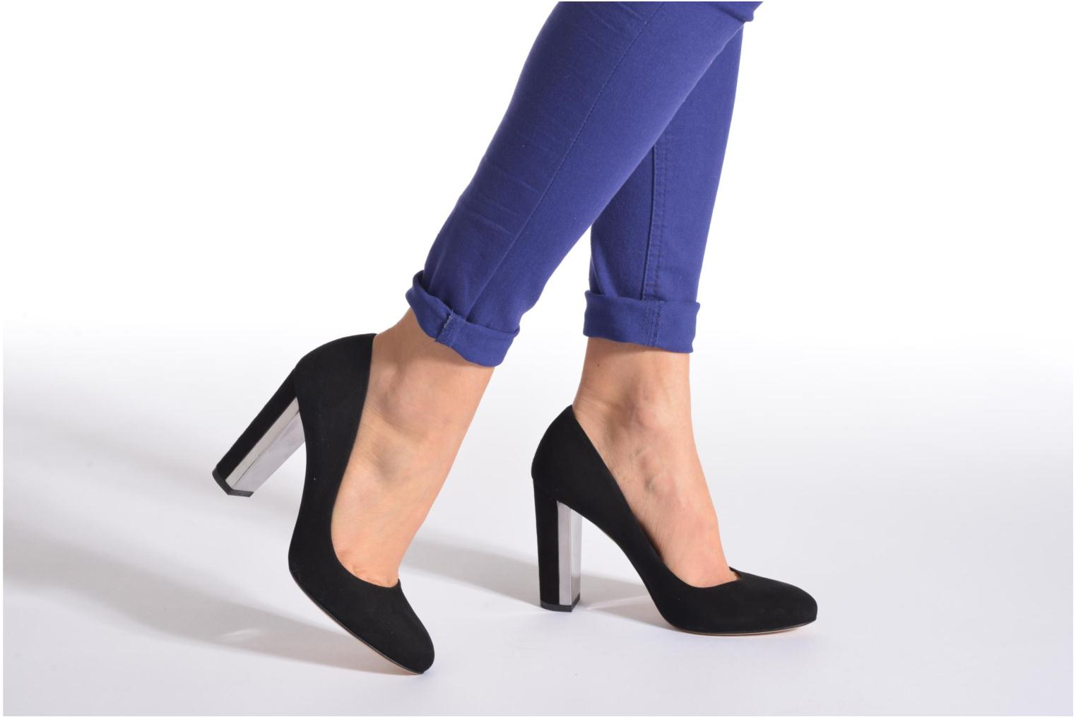 High heels Minelli F91 730/VEL Black view from underneath / model view