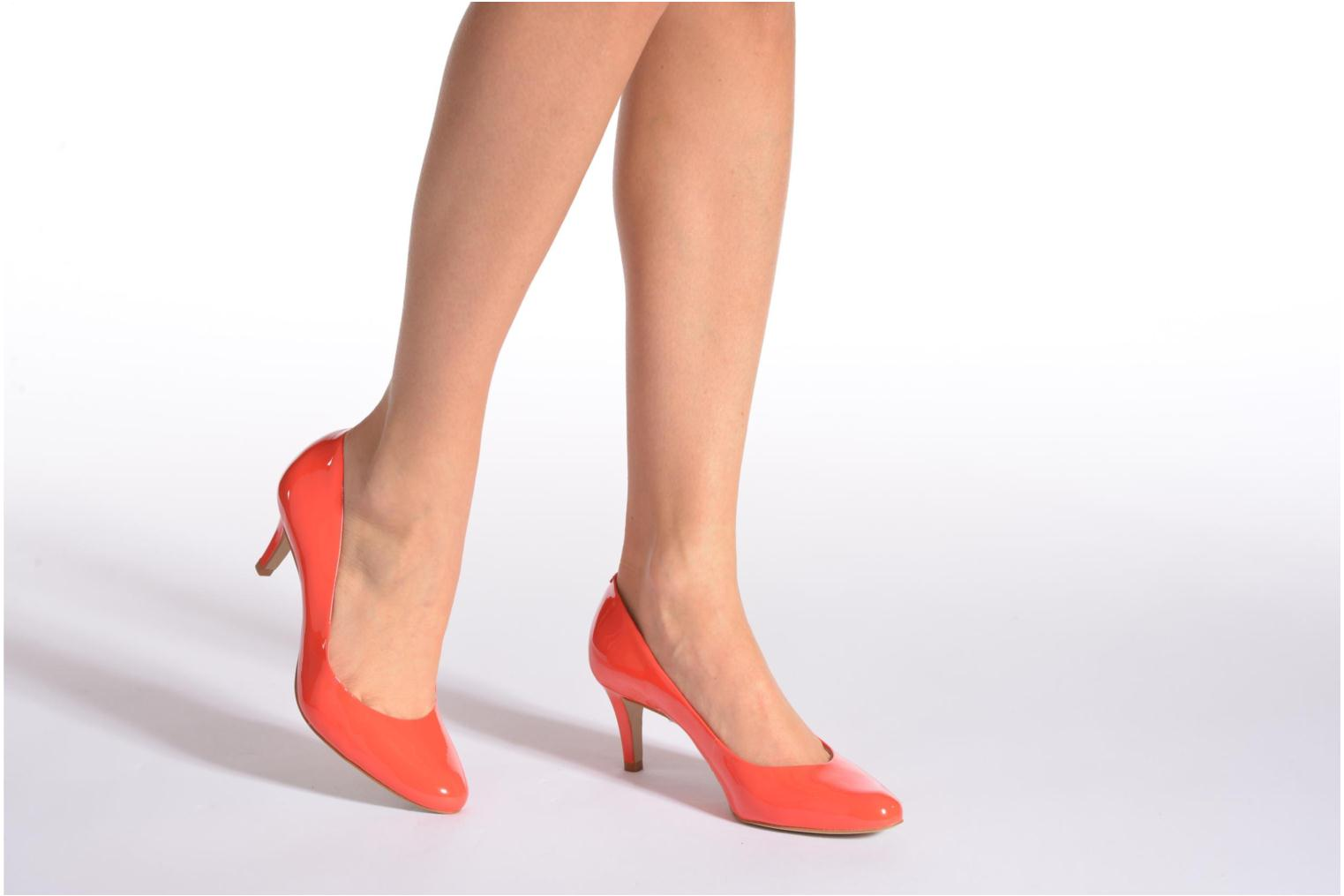 High heels Minelli F91 400/VER Beige view from underneath / model view