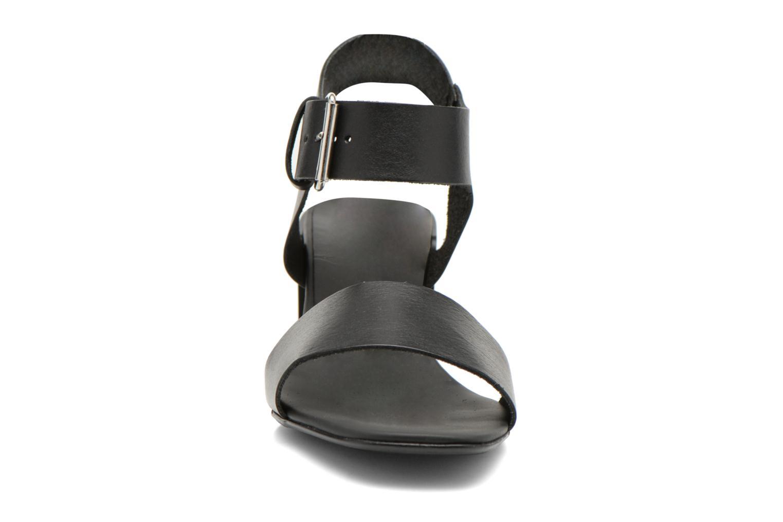 Sandales et nu-pieds Minelli F93 879 Noir vue portées chaussures