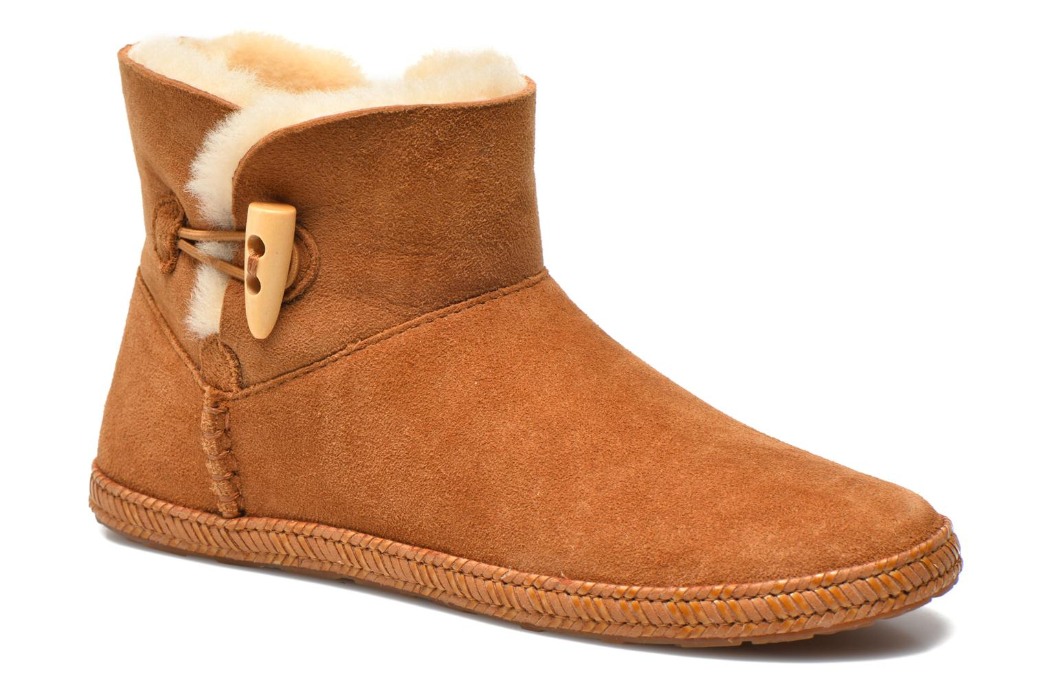 Ankle boots UGG K Wyoming Brown detailed view/ Pair view