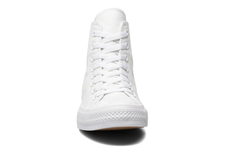 Sneaker Converse Chuck Taylor All Star II Hi M weiß schuhe getragen