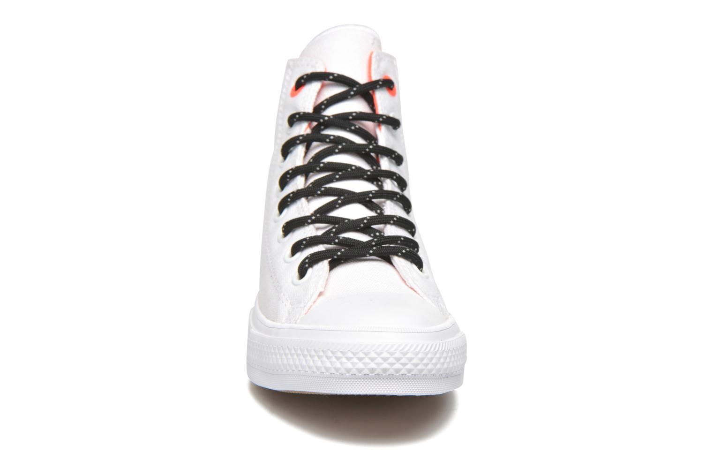 Baskets Converse Chuck Taylor All Star II Hi M Blanc vue portées chaussures