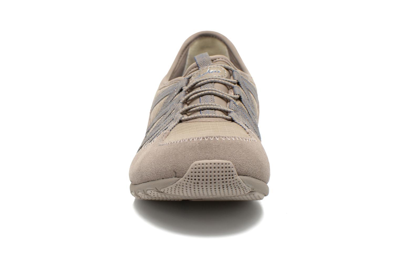 Baskets Skechers Conversations - Holding Aces 22551 Beige vue portées chaussures