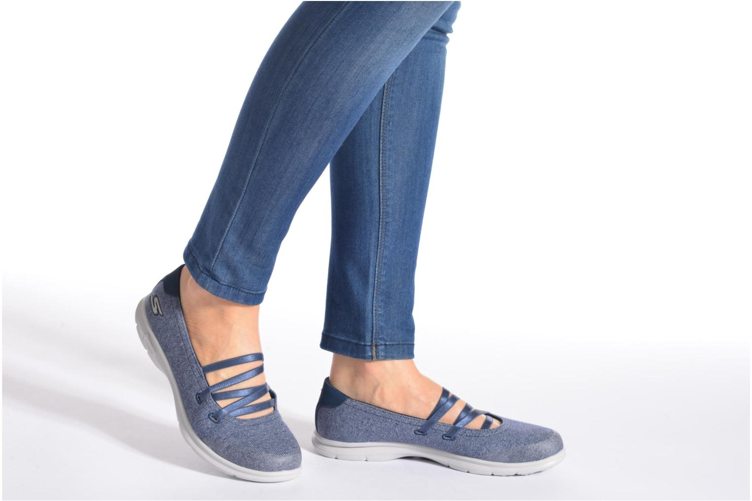 Ballet pumps Skechers Go Step - Pose 14209 Blue view from underneath / model view