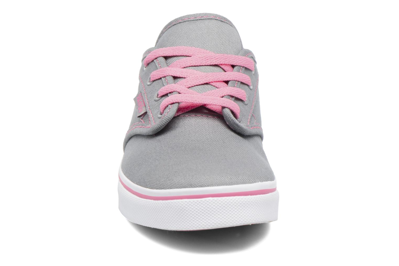 Baskets Vans Atwood Deluxe Gris vue portées chaussures