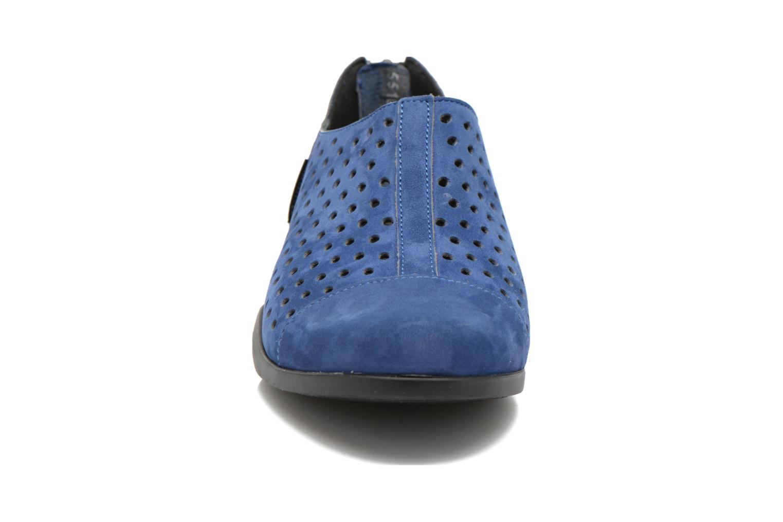 Mocassins Mephisto CLEMENCE Bleu vue portées chaussures