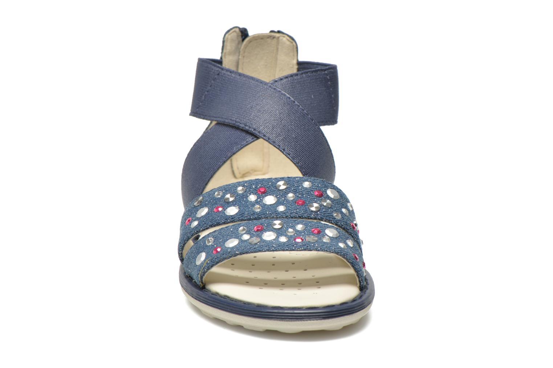 Sandali e scarpe aperte Geox JR Sandal Milk J52D1E Azzurro modello indossato