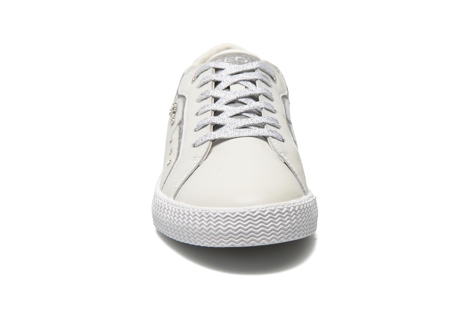 Trainers Geox J Smart Girl J52F4A White model view