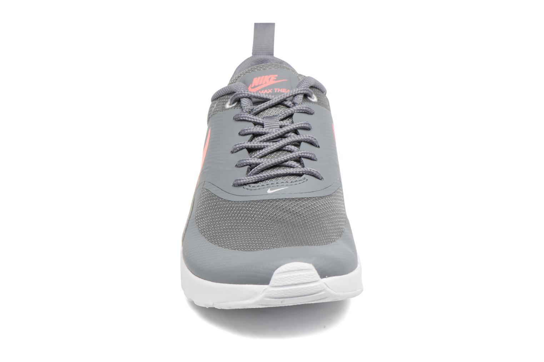 Baskets Nike Nike Air Max Thea (Gs) Gris vue portées chaussures