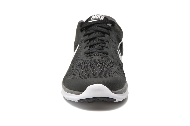 Chaussures de sport Nike Wmns Nike In-Season Tr 5 Noir vue portées chaussures