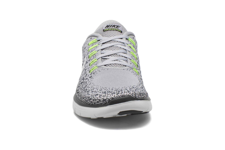 Chaussures de sport Nike Nike Free Rn Distance Gris vue portées chaussures